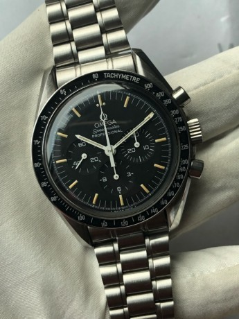 omega-speedmaster-professional-moonwatch-chronograph-big-1